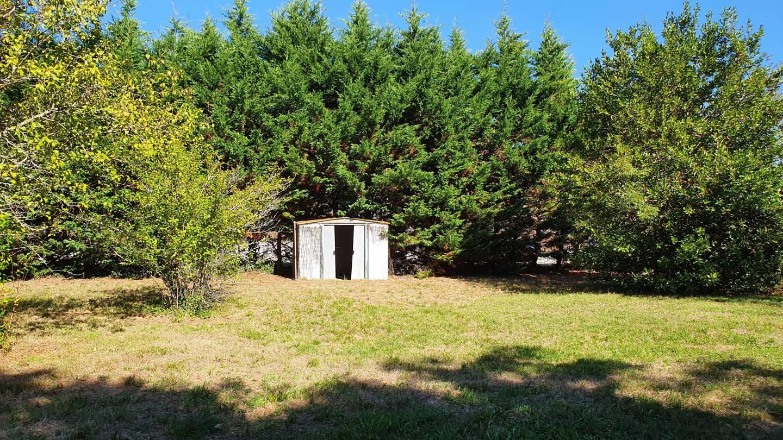 Photo 2 : Terrain constructible à Artigues-de-Lussac (les) (33570)