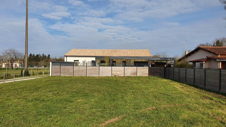 Photo 2 : Terrain constructible à Puynormand (33660)