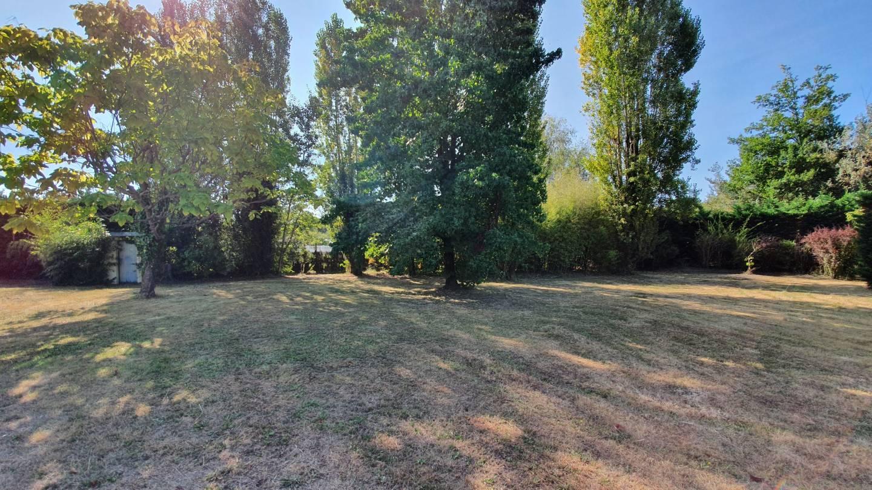 Photo 2 : Terrain constructible à St-Ciers-d'Abzac (33910)